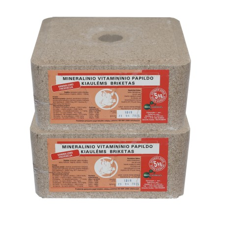 Mineralinio vitamininio papildo briketas kiaulėms